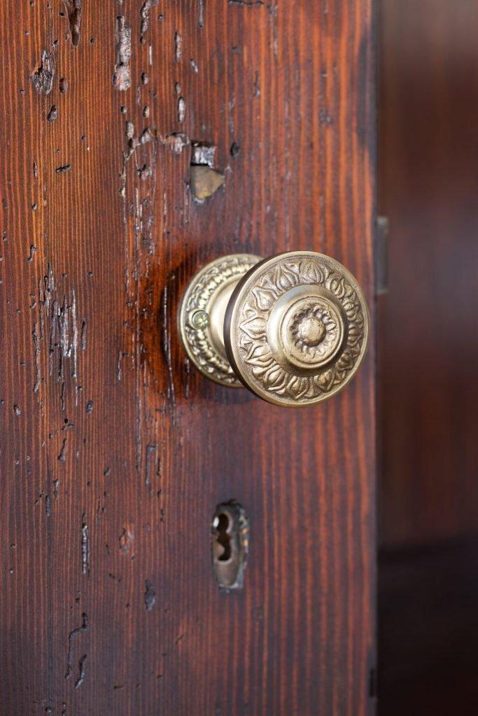 Stare_drewniane_drzwi