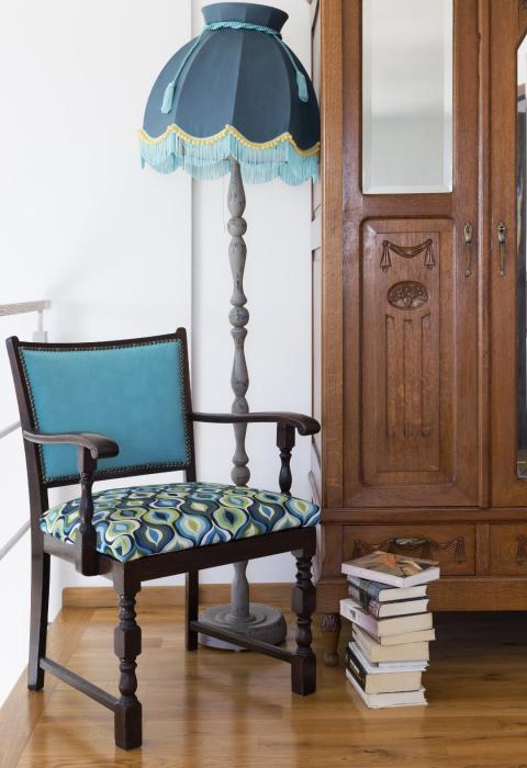 Aranżacja sypialni,Kolorowe mieszkanie,jak odnowić lampę,renowacja mebli, mieszkanie boho, Lampa_fotel_przedwojenny