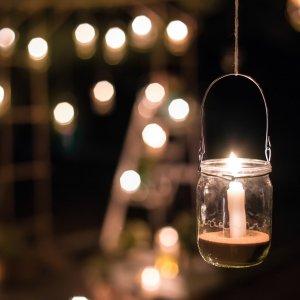 Światło świec_lampion_Ogród na wiosnę