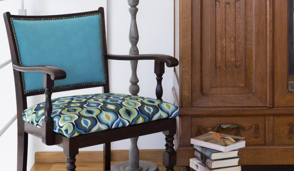 Odnawianie starych mebli- krzesła