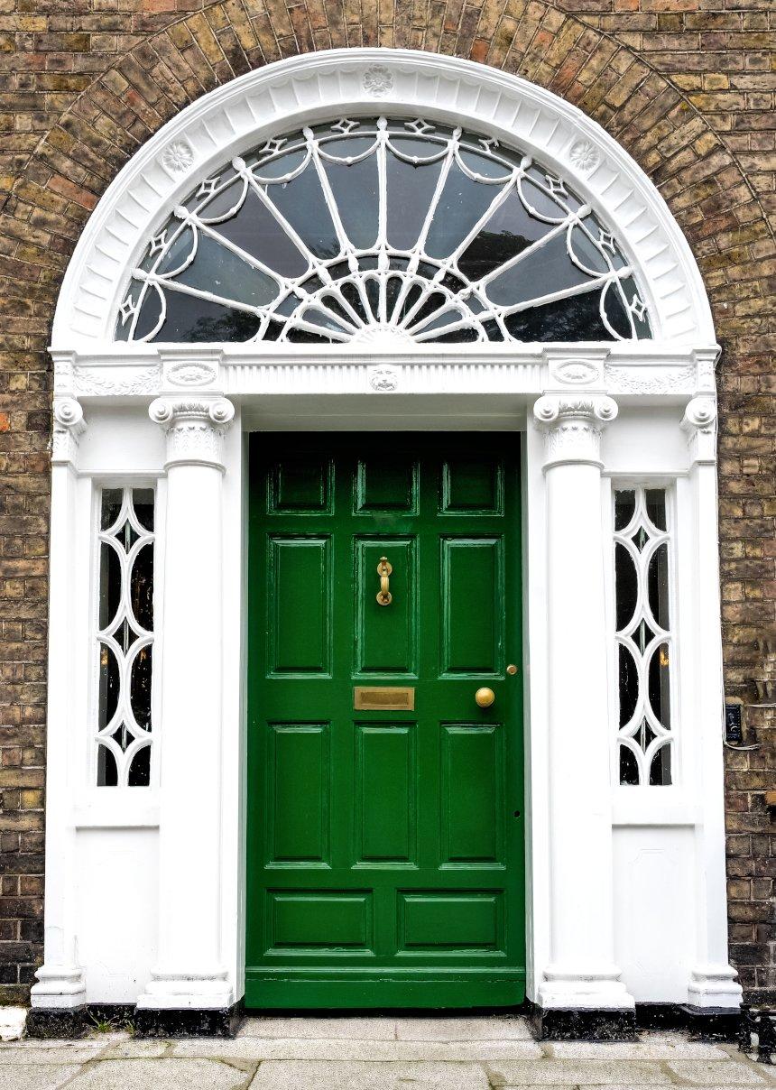 Kolorowe drzwi wejściowe