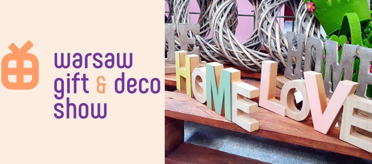 Targi Gift&Deco, napisy przestrzenne home i love, kolorowe napisy do postawienia jako dekoracja