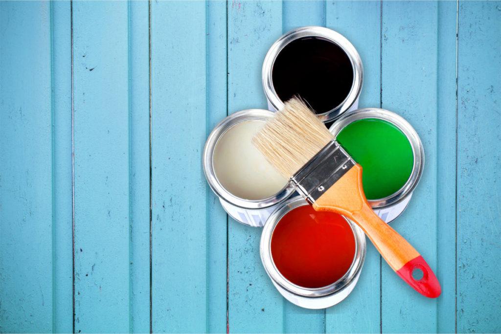 Farba do malowania mebli drewnianych