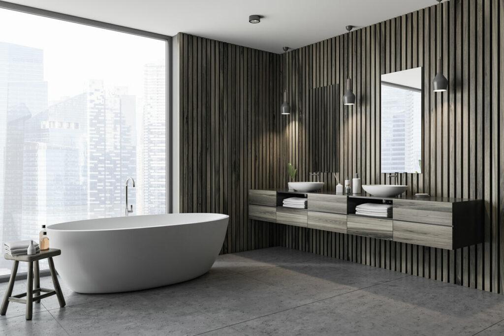 Ciemna łazienka z drewnem-wanna