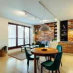 """Featured image for """"Jak urządzić przytulny salon z jadalnią w małym mieszkaniu?"""""""
