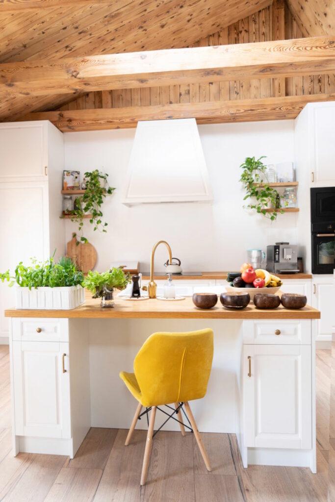 Kuchnia Skandynawska- Żółte Krzesło